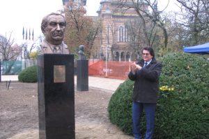 Pe Aleea Personalităţilor din Parcul Central a fost dezvelit bustul lui Eugen Todoran
