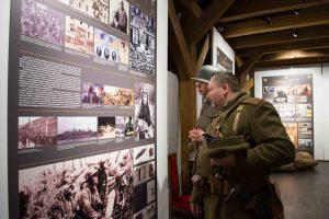 """Foto. Muzeul Banatului găzduieşte expoziţia """"România în anii Primului Război Mondial – Marea Unire de la 1918 şi Banatul"""""""