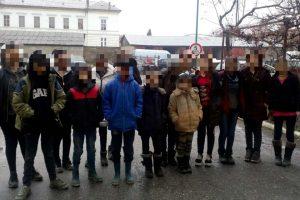 41 de migranţi, prinşi la Nădlac când intenţionau să treacă ilegal frontiera