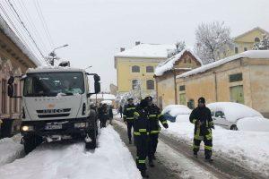 Situaţie dramatică la Lugoj, unde nu e curent de peste 30 de ore