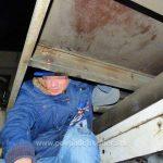 Douăzeci şi trei de irakieni și sirieni, descoperiți ascunşi într-un automarfar, la vama Nădlac II