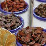 Stațiunea Buziaș, gazda unui eveniment inedit: degustarea cârnaților bănățeni