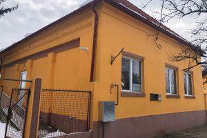 Primăria modernizează dispensarul din comuna Șandra