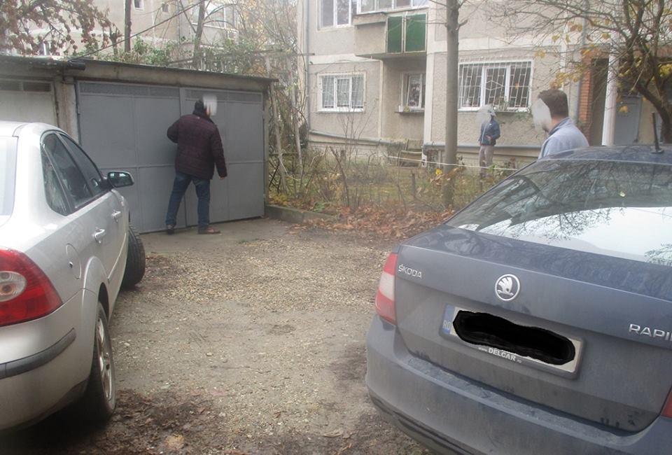 Atenție, şoferi! Nu blocați accesul în curți, garaje ori parcări!