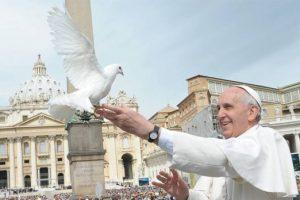 Papa Francisc trimite cinci ventilatoare în România