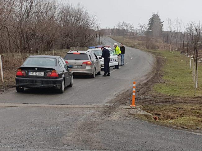 Poliţiştii de la Rutieră au dat peste 700 de amenzi în weekend. Un tânăr s-a urcat băut la volan şi fără permis