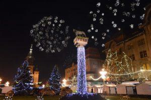 Concert Holograf şi artificii în deschiderea Târgului de Crăciun, de Ziua Naţională