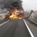 Grav accident în Caraş. Traficul este blocat