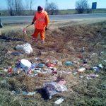 DRDP Timişoara atrage atenţia: Drumul NU este coș de gunoi!
