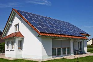 Ce trebuie să faci pentru a lua 20.000 lei de la stat pentru panouri fotovoltaice