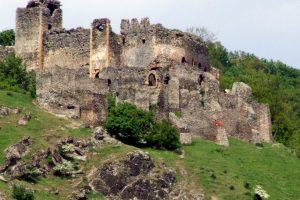 Un turist a căzut de pe zidurile Cetăţii Şoimoș