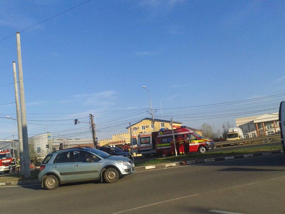 Accident pe Calea Lugojului cu patru răniţi