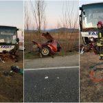 Accident la Sudriaș! O mașină a intrat în plin într-un autocar