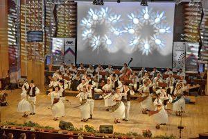 Ansamblul Banatul urcă pe scenă în prima zi a Festivalului Inimilor