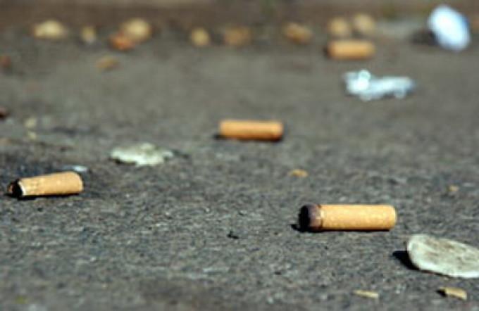 Chiştocless: Timişorenii sunt chemaţi să strângă mucurile de ţigări de pe stradă