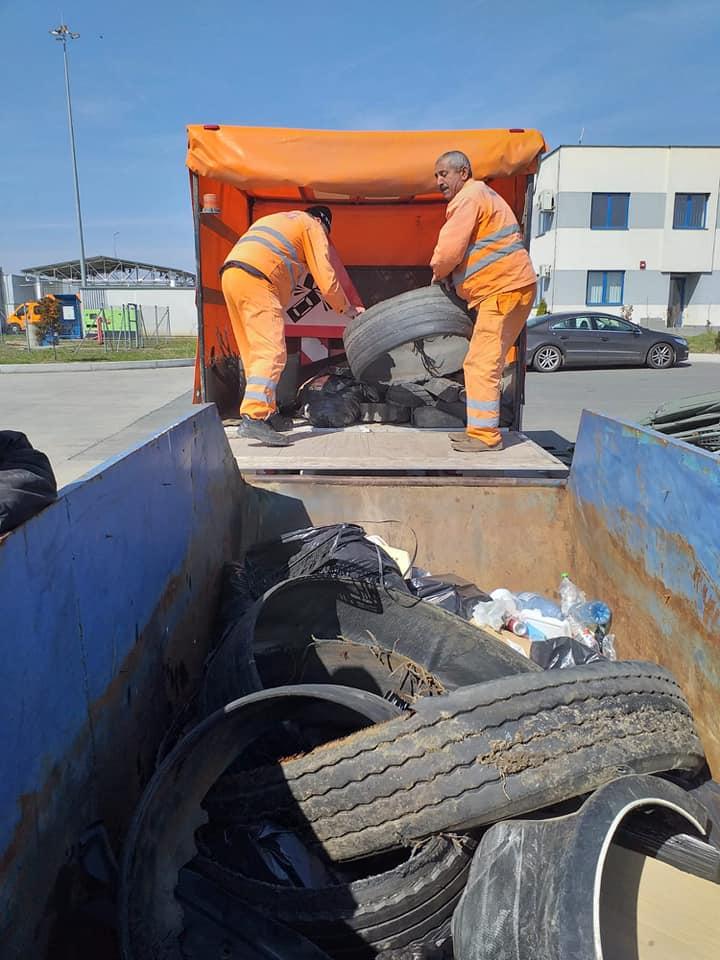 DRDP atrage din nou atenţia: Drumul NU este coș de gunoi!
