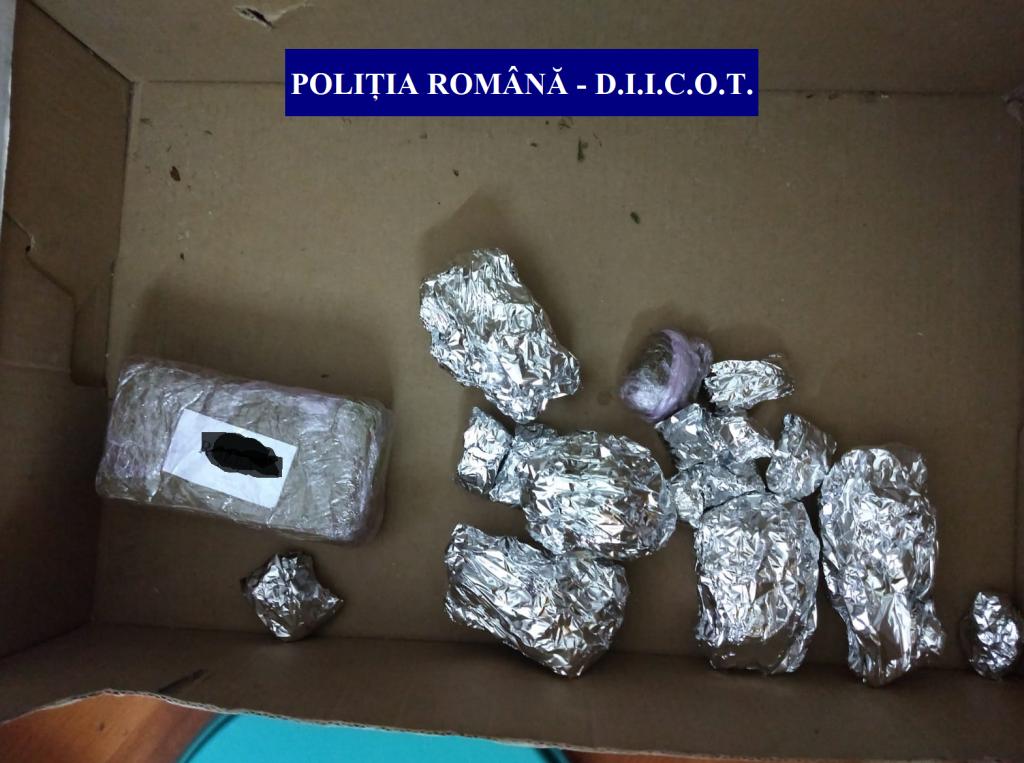 Descinderi la traficanții de droguri