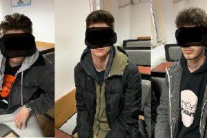 Opt tineri, depistați de polițiștii locali consumând pe stradă substanțe interzise