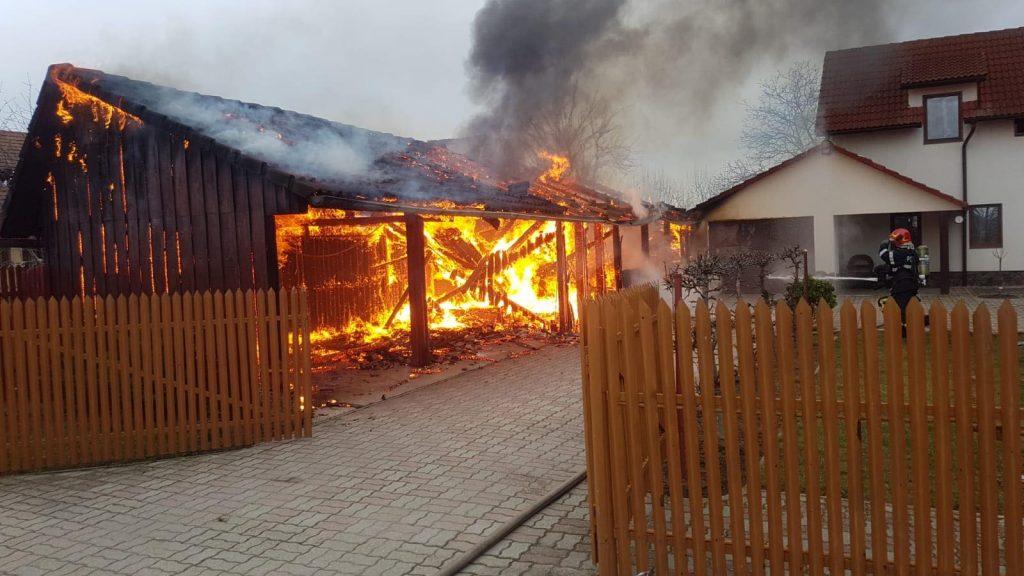 Incendiu la casa parohială din Bucovăţ