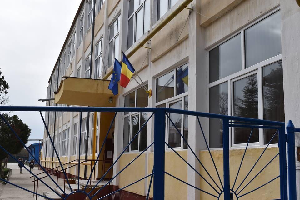 Burse pentru elevii din Buziaș acordate de către primărie