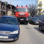 O maşină a pompierilor a aşteptat zece minute pentru ca un bizon să-şi mute maşina parcată aiurea
