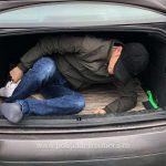 Vietnamez ascuns în portbagaj, depistat la Nădlac II