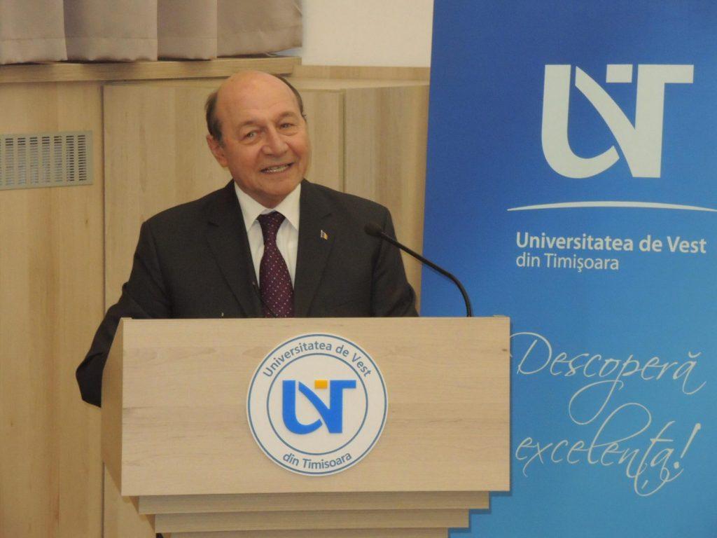 Traian Băsescu s-a întâlnit cu studenții din Timișoara