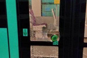 STPT a retras din circulaţie două tramvaie după ce au fost vandalizate