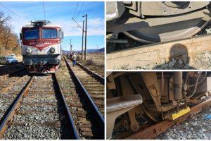 Un tren a deraiat la Săvârșin