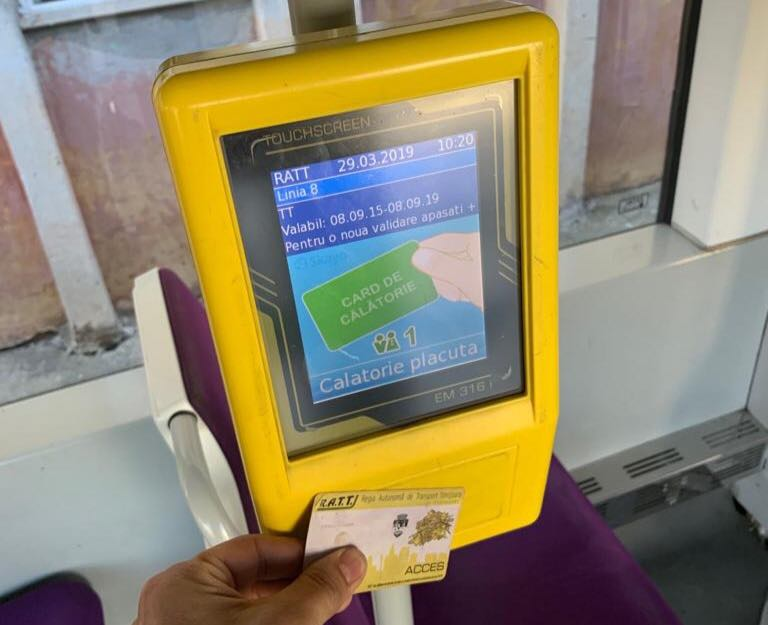 STPT face apel la călători să valideze cardurile, inclusiv la cei cu gratuităţi