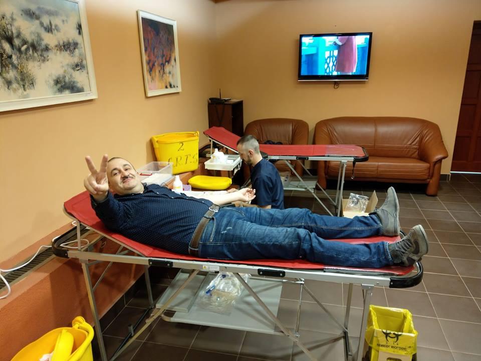 Angajaţi de la Prefectură şi CJT au donat sânge