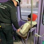 Boschetari daţi jos din tramvaie. Peste 600 de amenzi aplicate de polițiștii locali de la Biroul Transport Urban