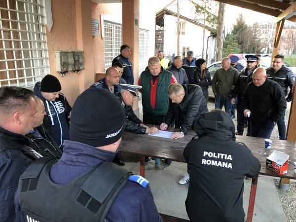 Polițiștii îl caută în Gurahonţ pe braconierul acuzat de tentativă de omor