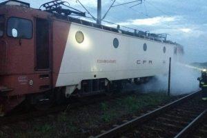 Locomotivă în flăcări! Peste 200 de persoane evacuate din trenul care circulă pe ruta Bucureşti – Timişoara