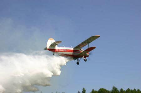 Dezinsecţie aeriană la Sânmihaiu Român