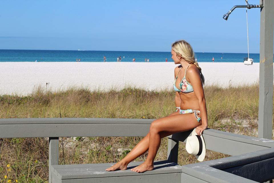 Atenţie! Arsurile solare cresc de 7,5 ori riscul de cancer de piele