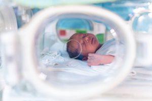 Semnal de alarmă: Mamele minore și copiii lor