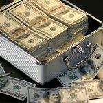 Avalanşă de reclamaţii! Românii sunt tot mai nemulţumiţi de relaţia pe care o au cu băncile
