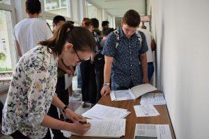 Reducerea numărului de elevi din clase la 26 în liceele teoretice și la 24 în liceele tehnologice și vocaționale, aprobată de ministrul Educației