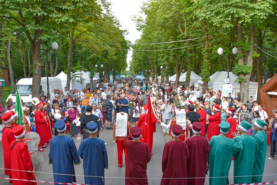 Descoperă bucătăria şi cultura orientală la Festivalul Turcesc din Parcul Rozelor