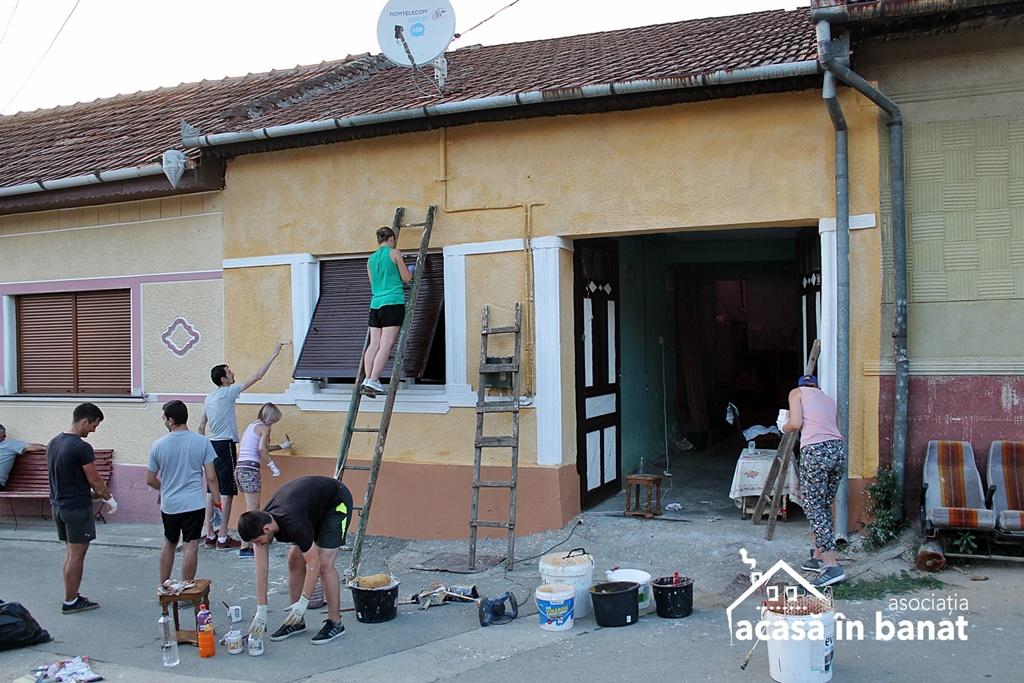 """Proiectul """"Color the Village"""" al Asociaţiei """"Acasă în Banat"""" a ajuns la final în Eftimie Murgu"""