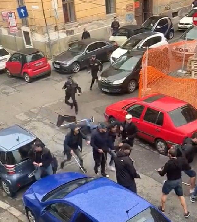 Polițiștii locali au intervenit pentru aplanarea conflictului dintre suporterii dinamoviști și timișoreni