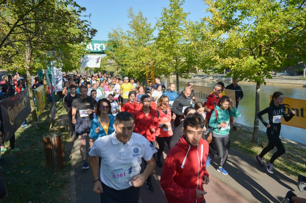 Sute de timișoreni au alergat la Crosul OncoHelp 2019