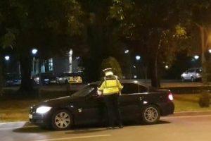 În ce stare era un şofer oprit de poliţişti pe Calea Şagului