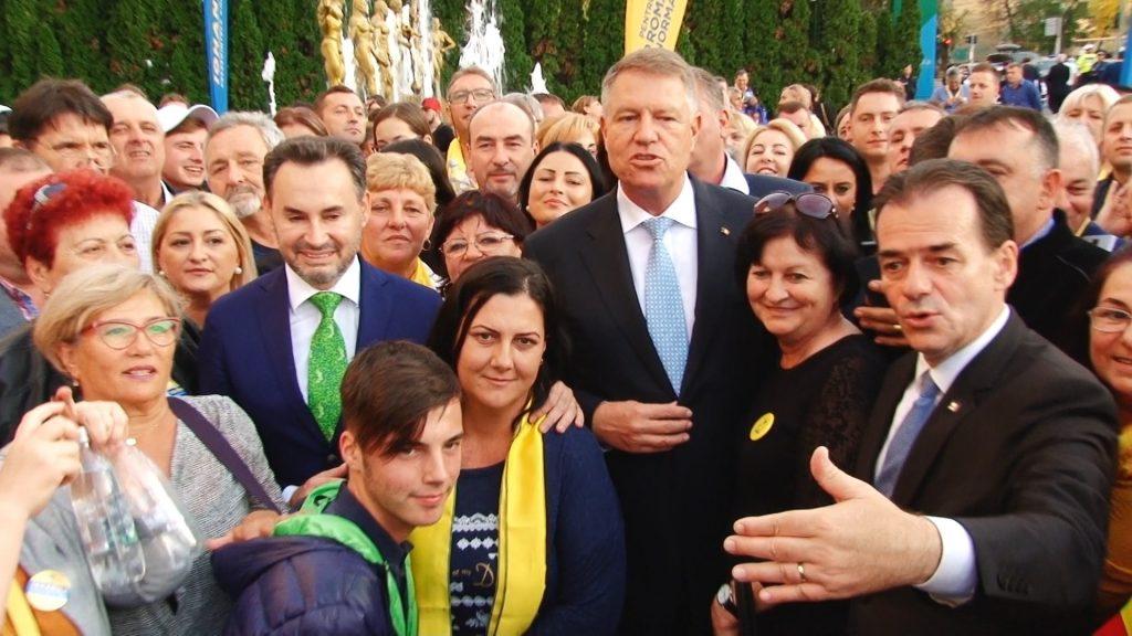 """Iohannis le cere românilor să stea în case: """"Nu vă îmbrățișați cu prietenii, nu dați mâna, evitați orice contact direct!"""""""
