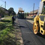 Se asfaltează străzile din Sânmihaiu German