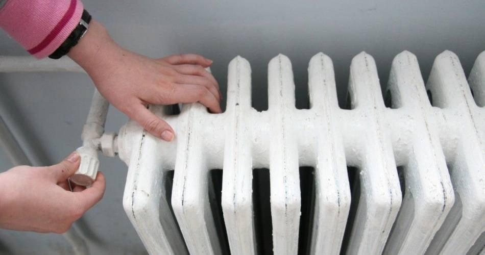 Mai mulţi locatari rămân fără căldură şi apă caldă joi