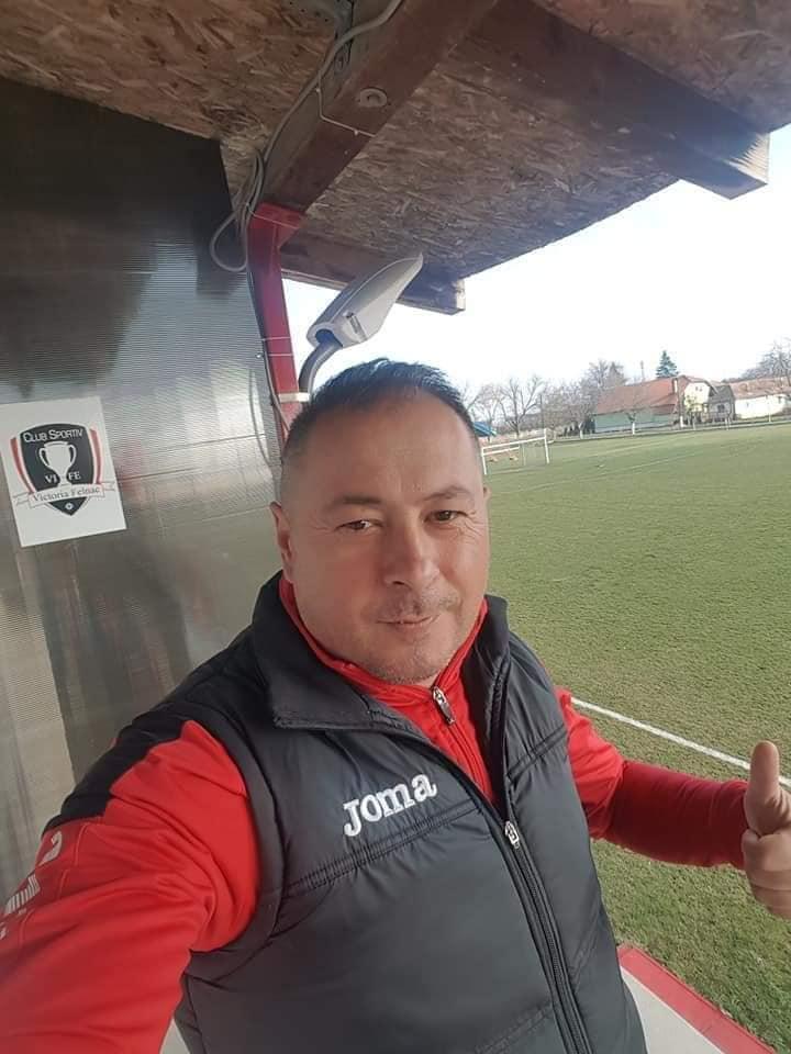 Patronul unui club de fotbal, găsit mort sub un pod