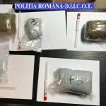 Trei traficanţi de droguri, scoşi de pe piaţă de mascaţi