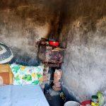 Se caută oameni cu suflet mare pentru a ajuta o familie care stă într-o colibă lângă Buziaş